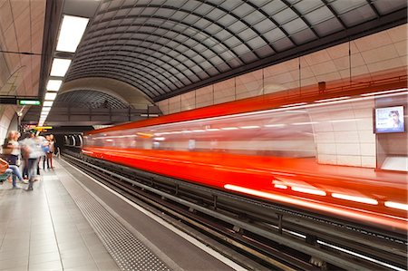 platform - A train pulls out of a station on the Lyon metro system, Lyon, Rhone, Rhone-Alpes, France, Europe Stock Photo - Rights-Managed, Code: 841-07355296