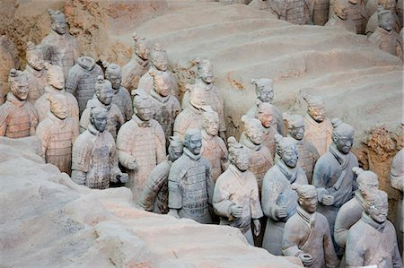 exhibition - Infantry men figures in Pit 1 at Qin Museum, exhibition halls of Terracotta Warriors, Xian, China Stock Photo - Rights-Managed, Code: 841-07457189