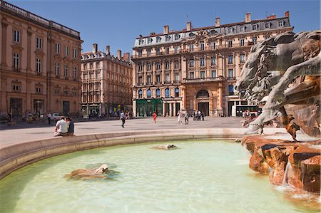 france - Fontaine Bartholdi in Place des Terreaux, Lyon, Rhone, Rhone-Alpes, France, Europe Stock Photo - Rights-Managed, Code: 841-07457926