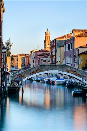Early morning light on Rio Ognissanti in Dorsoduro, Venice, UNESCO World Heritage Site, Veneto, Italy, Europe Stock Photo - Rights-Managed, Code: 841-07524039