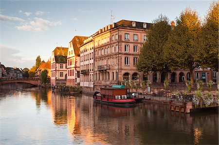 france - The River Ill and La Petite France, Strasbourg, Bas-Rhin, Alsace, France, Europe Stock Photo - Rights-Managed, Code: 841-07524072
