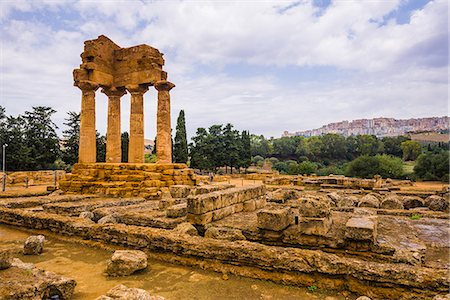 Temple of Castor and Pollux, Valley of the Temples (Valle dei Templi), Agrigento, UNESCO World Heritage Site, Sicily, Italy, Europe Stock Photo - Rights-Managed, Code: 841-07523217