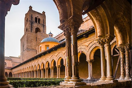 Duomo di Monreale (Monreale Cathedral), Monreale, near Palermo, Sicily, Italy, Europe Stock Photo - Rights-Managed, Code: 841-07523224