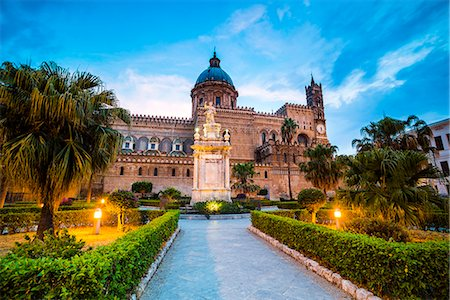 Palermo Cathedral (Duomo di Palermo) at night, Palermo, Sicily, Italy, Europe Stock Photo - Rights-Managed, Code: 841-07523266