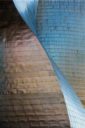 Architect Frank Gehry's Guggenheim Museum futuristic architectural design in titanium and glass at Bilbao, Basque country, Spain Stock Photo - Rights-Managed, Code: 841-07523722