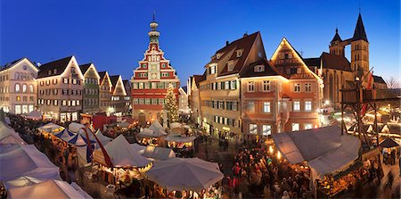 places - Christmas fair at the marketplace with old town hall and Sankt Dionys church, Esslingen, Baden Wurttemberg, Germany, Europe Stock Photo - Rights-Managed, Code: 841-07540372