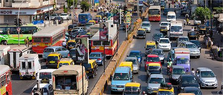 Traffic congestion on downtown highway to Bandra, Andheri and Santacruz and access route to the BKC Complex in Mumbai, India Stock Photo - Rights-Managed, Code: 841-07540474