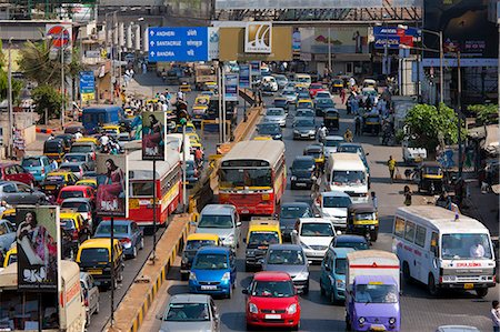 Traffic congestion on downtown highway to Bandra, Andheri and Santacruz and access route to the BKC Complex in Mumbai, India Stock Photo - Rights-Managed, Code: 841-07540475