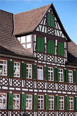 quaint house - Timber-framed Guesthouse Sonne in Schiltach in the Bavarian Alps, Germany Stock Photo - Rights-Managed, Code: 841-07540665
