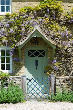 Traditional Cotswold stone wysteria-clad cottage in the quaint village of Eastleach Turville in the Cotswolds, Gloucestershire, UK Stock Photo - Rights-Managed, Code: 841-07540714