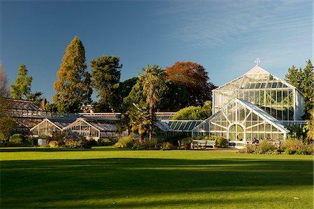 The glasshouses on an autumn day in The Cambridge Botanic Garden, Cambridge, Cambridgeshire, England, United Kingdom, Europe Stock Photo - Rights-Managed, Code: 841-07540917