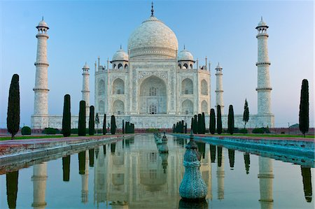 The Taj Mahal mausoleum southern view with reflecting pool and cypress trees, Uttar Pradesh, India Stock Photo - Rights-Managed, Code: 841-07600081