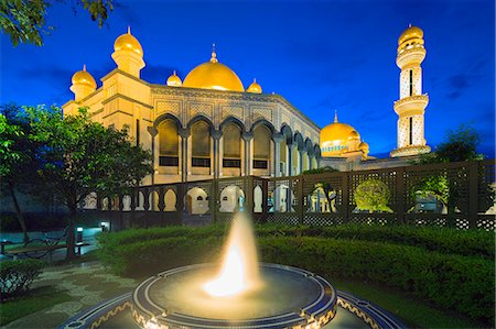 Jame'asr Hassanal Bolkiah Mosque, Bandar Seri Begawan, Brunei, Borneo, Southeast Asia, Asia Stock Photo - Rights-Managed, Code: 841-07653219