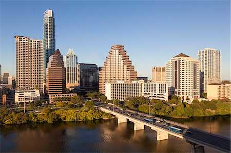City skyline viewed across the Colorado River, Austin, Texas, United States of America, North America Fotografie stock - Rights-Managed, Codice: 841-07653313