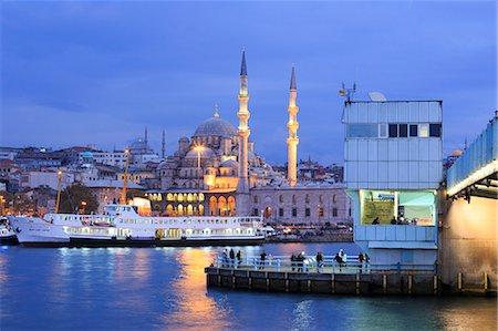 Yeni Mosque and Galata Bridge, Istanbul, Turkey, Europe Stock Photo - Rights-Managed, Code: 841-07673401