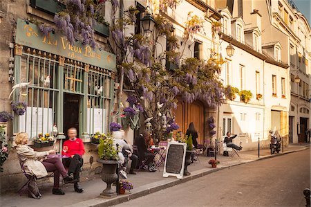 People outside a cafe on Ile de la Cite, Paris, France, Europe Stock Photo - Rights-Managed, Code: 841-07783151