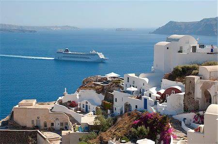 santorini island - A large cruise ship off the island of Santorini, The Cyclades, Greek Islands, Greece, Europe Stock Photo - Rights-Managed, Code: 841-07913771