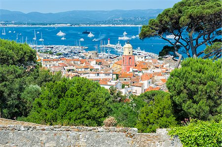france - View over the bell tower of Notre Dame de l'Assomption Church, St. Tropez, Var, Provence Alpes Cote d'Azur region, French Riviera, France, Mediterranean, Europe Stock Photo - Rights-Managed, Code: 841-08279030