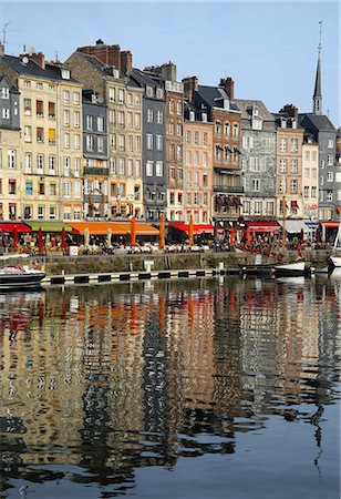 Vieux Bassin, Old Port, with houses reflected in harbour, Honfleur, Normandy, France, Europe Stock Photo - Rights-Managed, Code: 841-08357484
