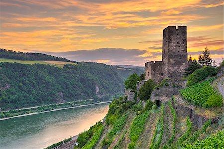 Burg Gutenfels, UNESCO World Heritage Site, and River Rhine, Rhineland Palatinate, Germany, Europe Stock Photo - Rights-Managed, Code: 841-08357704