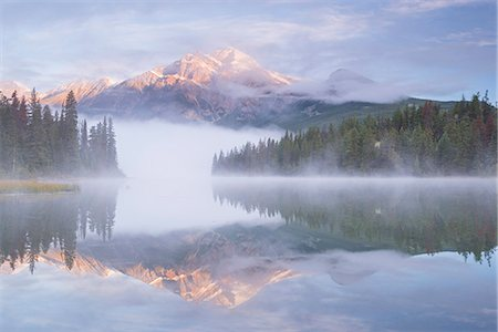 Mist shrouded Pyramid Lake at dawn in the Canadian Rockies, Jasper National Park, UNESCO World Heritage Site, Alberta, Canada, North America Stock Photo - Rights-Managed, Code: 841-08438786