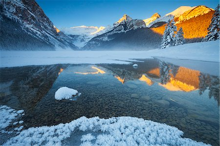 Lake Louise at Sunrise in Winter, Banff National Park, Alberta, Canada, North America Stock Photo - Rights-Managed, Code: 841-08527717