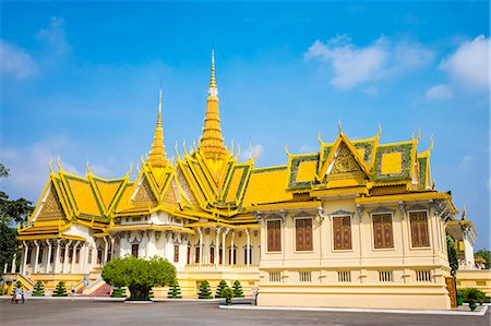Throne Hall (Preah Thineang Dheva Vinnichay) and Hor Samrith Phimean of the Royal Palace, Phnom Penh, Cambodia, Indochina, Southeast Asia, Asia Stock Photo - Rights-Managed, Code: 841-08645317