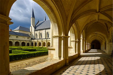 european - Cloister, Abbey of Fontevraud, dating from the 12th to 17th centuries, Maine et Loire, Loire Valley, France, Europe Stock Photo - Rights-Managed, Code: 841-08887256