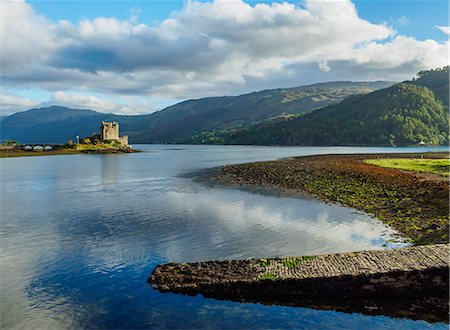quaint - View of Eilean Donan Castle, Dornie, Highlands, Scotland, United Kingdom, Europe Stock Photo - Rights-Managed, Code: 841-08887380