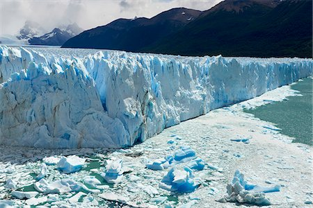 perito moreno glacier - Detail of Perito Moreno Glacier in the Parque Nacional de los Glaciares (Los Glaciares National Park), UNESCO World Heritage Site, Patagonia, Argentina, South America Stock Photo - Rights-Managed, Code: 841-08887418