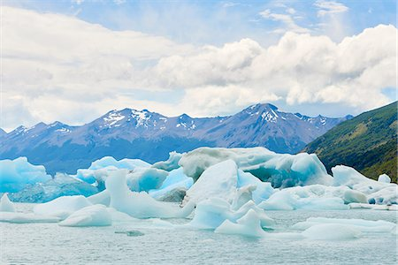 perito moreno glacier - Blocks of ice float in one of the affluents of Lago Argentino, next to Perito Moreno Glacier, and wash ashore before they melt, Los Glaciares National Park, UNESCO World Heritage Site, Patagonia, Argentina, South America Stock Photo - Rights-Managed, Code: 841-08887434