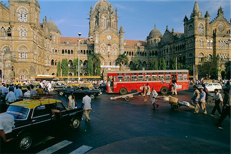 Traffic in front of the station, Victoria Railway Terminus, Mumbai (Bombay), Maharashtra State, India Stock Photo - Rights-Managed, Code: 841-02706249