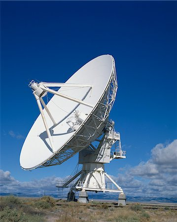 radio telescope - A radio telescope in New Mexico, United States of America, North America Stock Photo - Rights-Managed, Code: 841-02708432