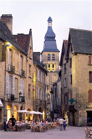 Evening in the Place de la Liberte, Sarlat-la-Caneda, Dordogne, Aquitaine, France, Europe Stock Photo - Rights-Managed, Code: 841-02708812