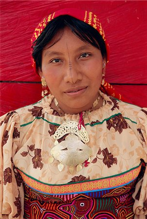 panama traditional costume - Portrait of a Cuna (Kuna) Indian woman, Rio Sidra, San Blas archipelago, Panama, Central America Stock Photo - Rights-Managed, Code: 841-02714402