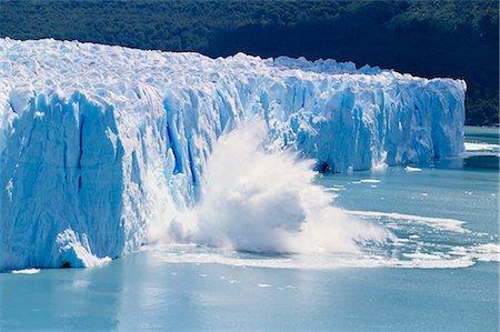 perito moreno glacier - Glacier ice melting and icebergs at Perito Moreno, Moreno Glacier, Parque Nacional Los Glaciares, UNESCO World Heritage Site, Patagonia, Argentina, South America Stock Photo - Rights-Managed, Code: 841-02715098