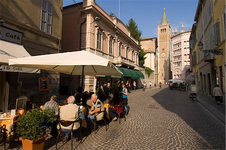 Strada al Duomo, Parma, Emilia-Romagna, Italy, Europe Stock Photo - Rights-Managed, Code: 841-02717425