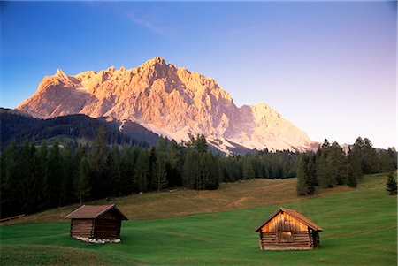 simsearch:845-03720933,k - Zugspitze and barns at dusk, Wetterstein, Austrian Alps, Austria, Europe Stock Photo - Rights-Managed, Code: 841-02718999