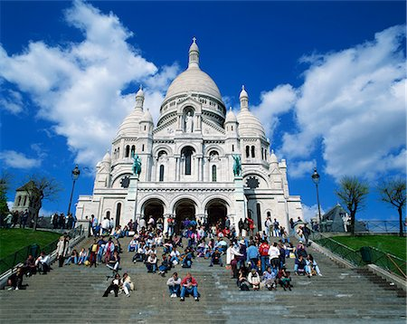 Tourists sitting on steps before the Sacre Coeur, Montmartre, Paris, France, Europe Stock Photo - Rights-Managed, Code: 841-02710723