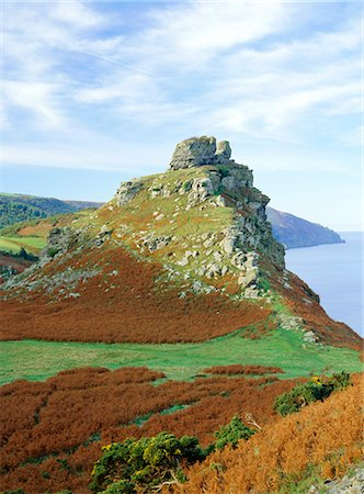 Castle Rock overlooking Wringcliff Bay, one of Britain's highest sea cliffs, the Valley of Rocks, near Lynton, Exmoor, Devon, England, United Kingdom, Europe Stock Photo - Rights-Managed, Code: 841-02711817