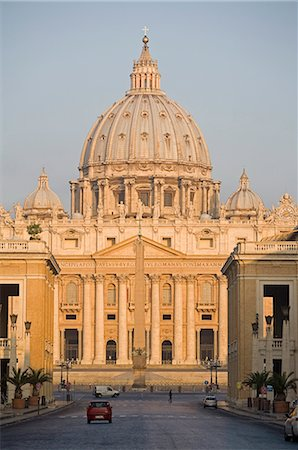 St. Peter's Basilica, Vatican, Rome, Lazio, Italy, Europe Stock Photo - Rights-Managed, Code: 841-02721755