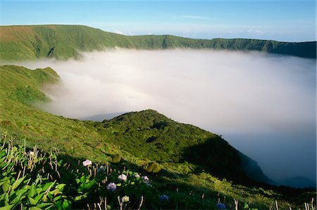 Cloud in crater, Caldeira, Faial, Azores, Portugal, Europe Stock Photo - Rights-Managed, Code: 841-02831237