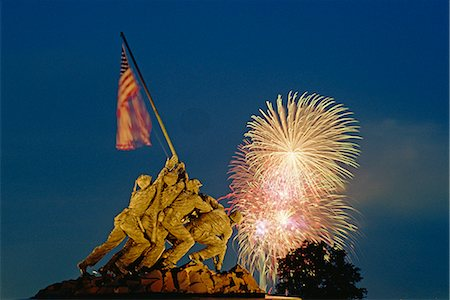 Fireworks over the Iwo Jima Memorial for the 4th of July Independence Day celebrations, Arlington, Virginia, United States of America, North America Stock Photo - Rights-Managed, Code: 841-02832744