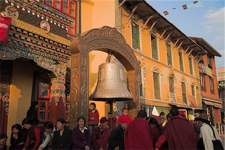 People near large bell in front of monastery, Lhosar Tibetan and Sherpa New Year festival, Bodhnath Stupa, UNESCO World Heritage Site, Bagmati, Kathmandu, Nepal, Asia Stock Photo - Rights-Managed, Code: 841-02917375