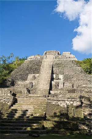 High Temple (Structure N10-43), the highest temple at the Mayan site at Lamanai, Lamanai, Belize, Central America Stock Photo - Rights-Managed, Code: 841-02917470