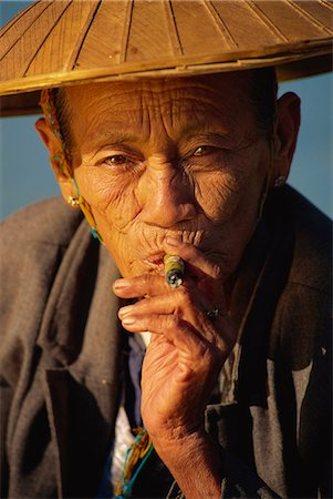 Old woman with cheroot, Ywama, Shan State, Inle Lake, Myanmar (Burma), Asia Stock Photo - Rights-Managed, Code: 841-02924511