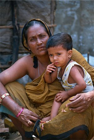 dhaka - Mother and son in a slum in Dhaka, Bangladesh, Asia Stock Photo - Rights-Managed, Code: 841-02947137