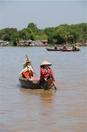 Tonle Sap Lake, Vietnamese Boat People, near Siem Reap, Cambodia, Indochina, Southeast Asia, Asia Stock Photo - Rights-Managed, Code: 841-02990592