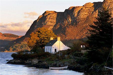 Cottage and hills at sunset, Plockton, Highland region, Scotland, United Kingdom, Europe Stock Photo - Rights-Managed, Code: 841-03064780