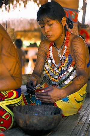 panama traditional costume - Embera Indian woman, Soberania Forest National Park, Panama, Central America Stock Photo - Rights-Managed, Code: 841-03060477